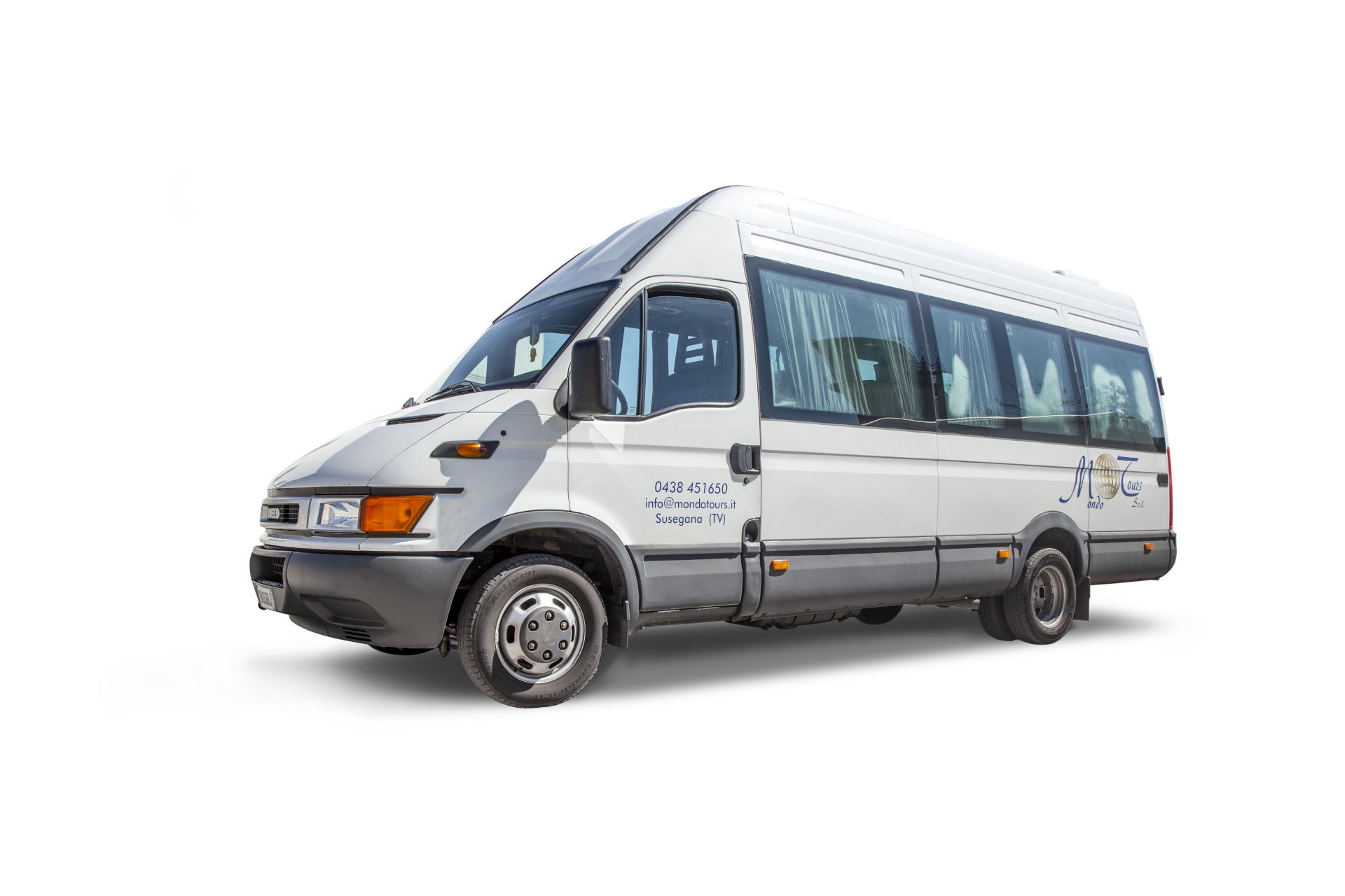 mondotours-minibus-iveco-daily-01