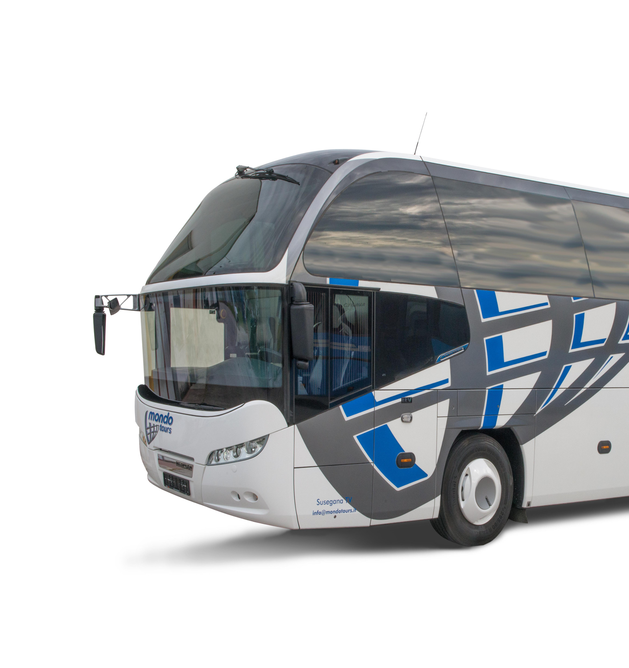 mondotours-pullman-granturismo-neoplan-cityliner-01-555-370-c-90.jpg