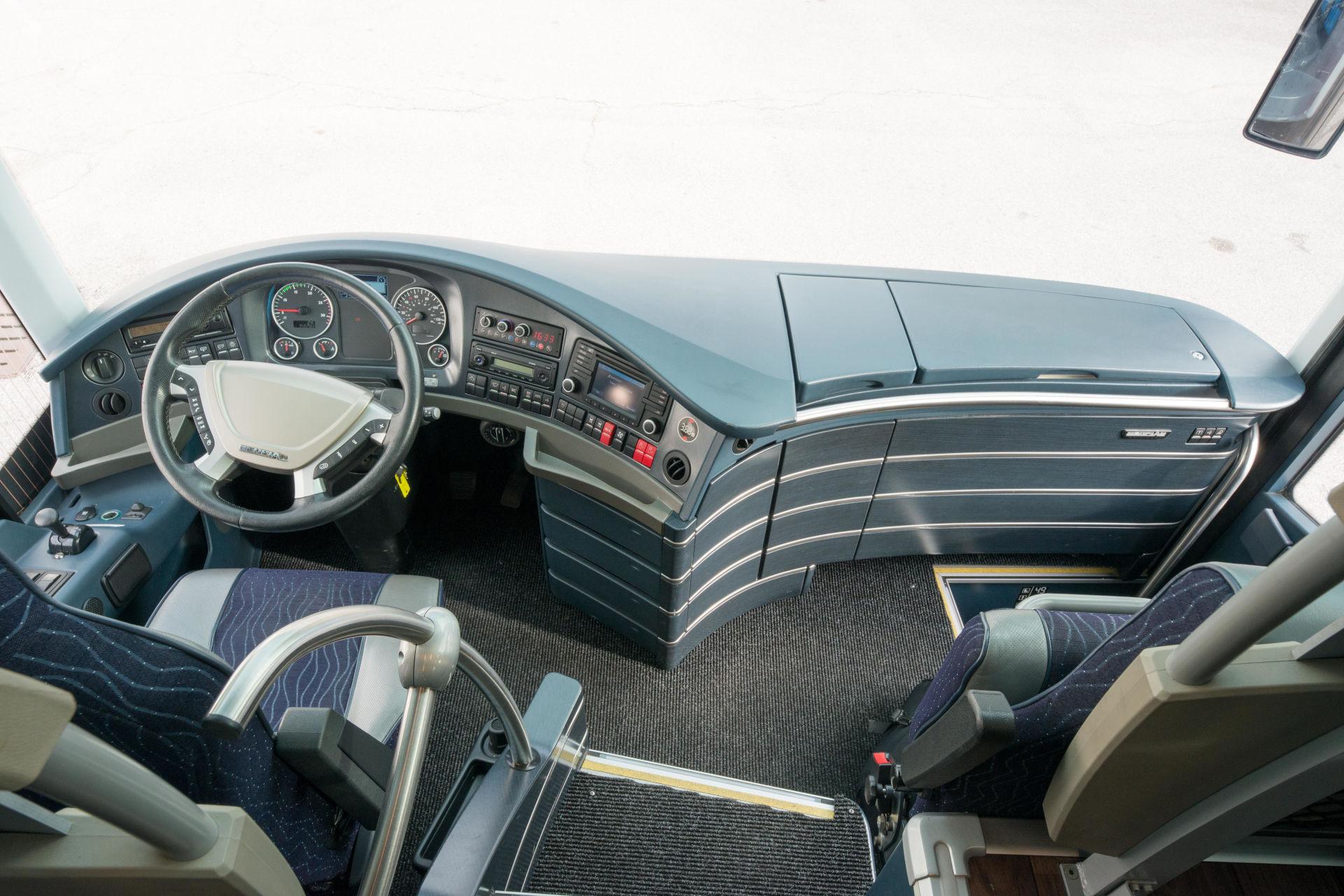 mondotours-pullman-granturismo-neoplan-cityliner-03