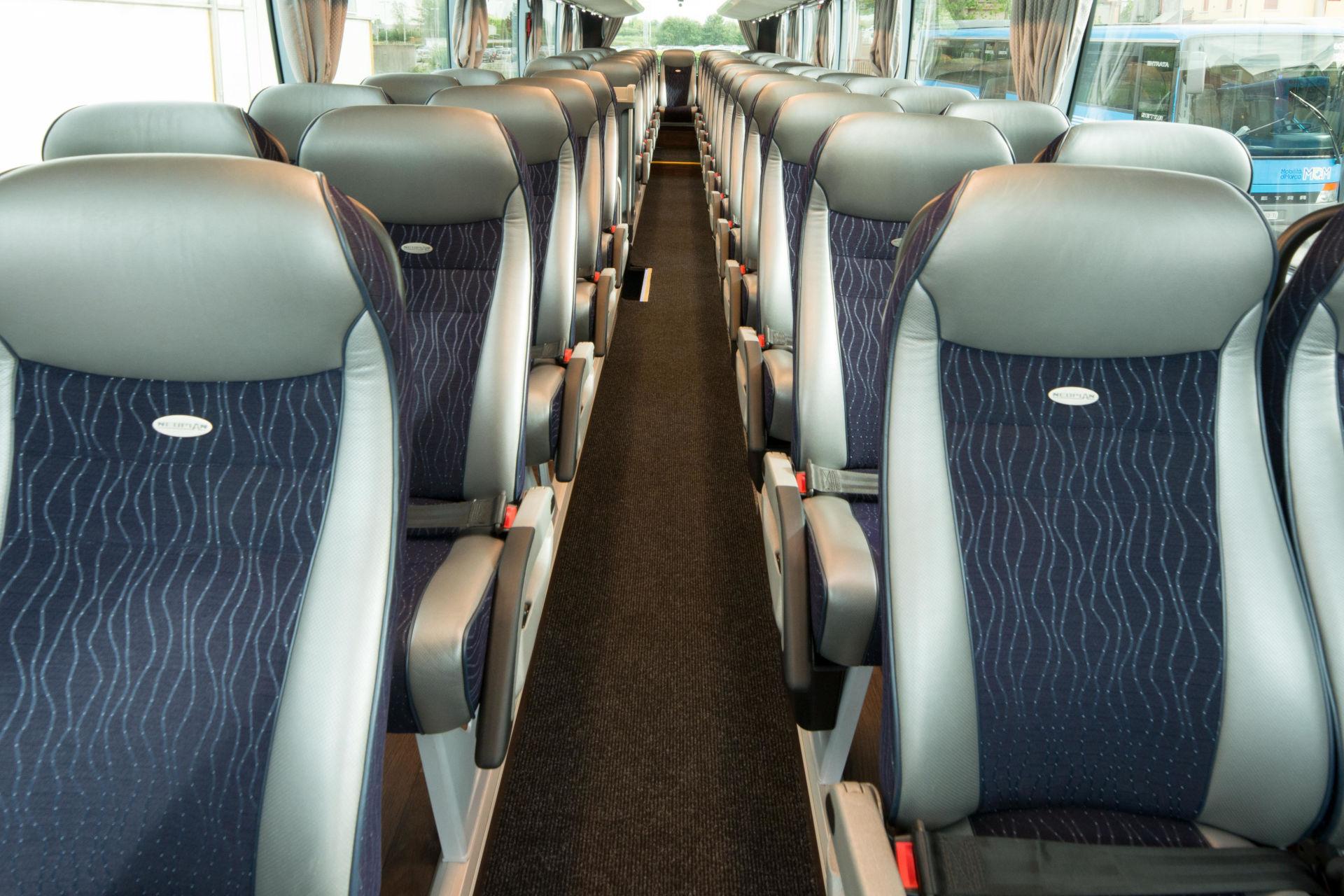 mondotours-pullman-granturismo-neoplan-cityliner-04