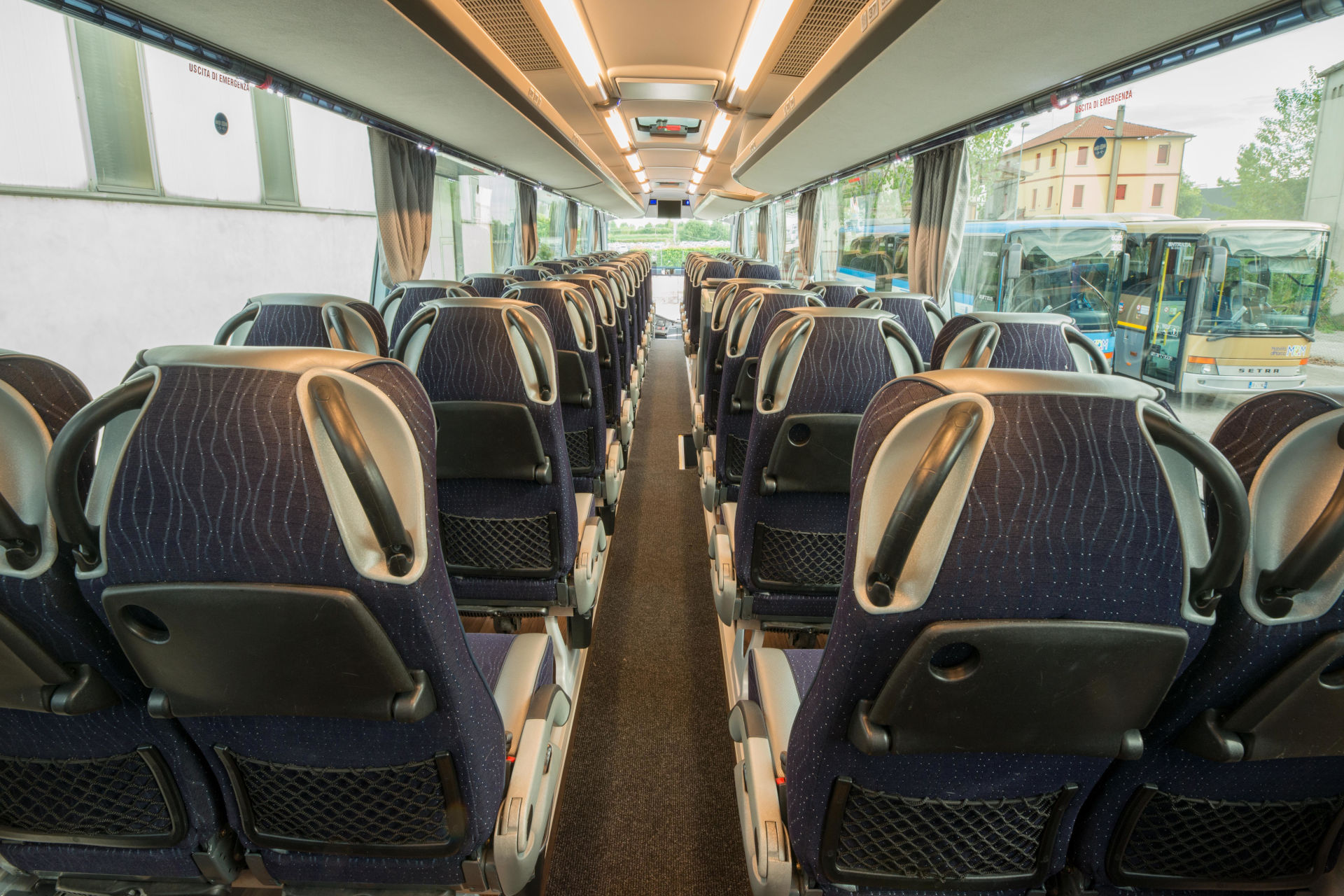mondotours-pullman-granturismo-neoplan-cityliner-05